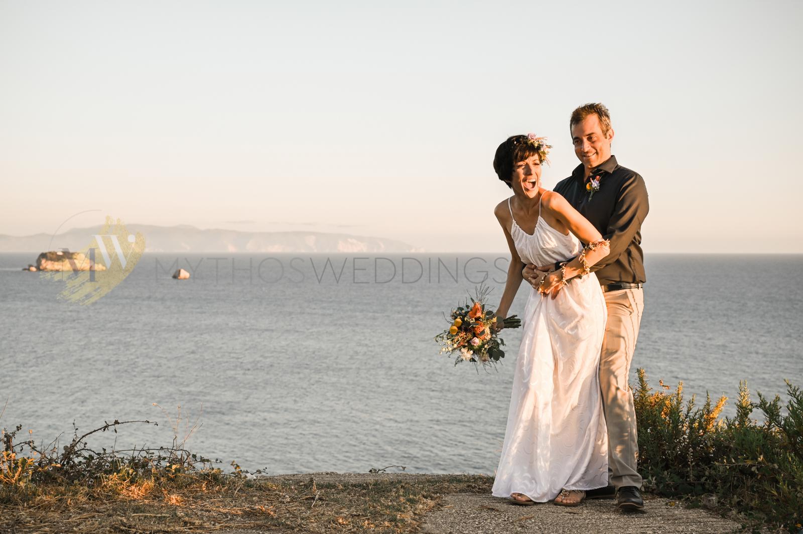 Hochzeitspaar vor dem Meer